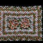 Tapete de Crochê Euro Flor Artesanal – Modelo e Vídeo