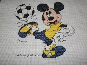 Gráficos do Mickey em Ponto Cruz para Bordar Toalhas Infantis – Idéias e Fotos
