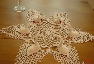 croche-toalha-mesa-cisne