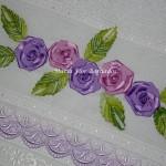 Como Fazer Toalhas Bordadas com Flores de Cetim – Material e Vídeo Passo a Passo