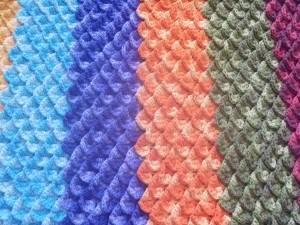 Tapete Colorido Feito em Crochê Ponto Crocodilo – Material Passo a Passo