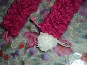 boneca la passo 17 300x225 Como Fazer Boneca de Lã   Material e Passo a Passo