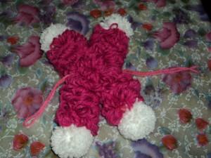 boneca la passo 18 300x225 Como Fazer Boneca de Lã   Material e Passo a Passo