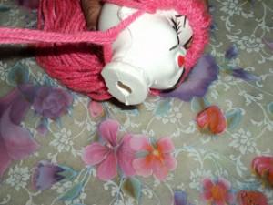 boneca la passo 19 300x225 Como Fazer Boneca de Lã   Material e Passo a Passo