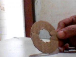 boneca la passo 8 300x225 Como Fazer Boneca de Lã   Material e Passo a Passo