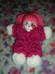 boneca la passo a passo 225x300 Como Fazer Boneca de Lã   Material e Passo a Passo