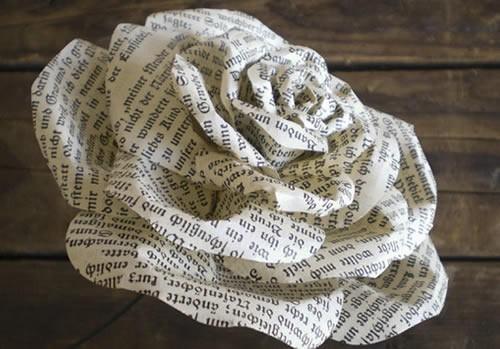 Buqu de flores feito de papel como fazer for Fiori di carta di giornale