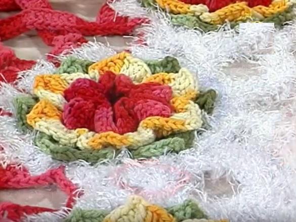 Flor Em Pétalas de Crochê  Material e Passo a Passo
