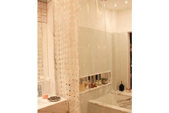 croche-sacola-passo-cortina-banheiro