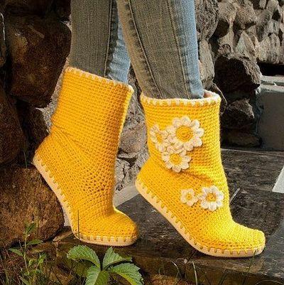 bota-croche-amarela