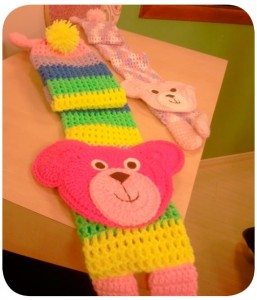 Cachecol de Crochê Infantil Urso –  Material e Como Fazer