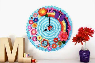 Relógio-de-crochê-com-flores