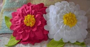 Almofada Flor Feita de Feltro – Material Passo a Passo