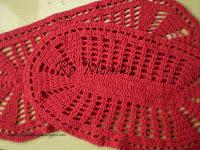 tapete-oval-crochê-vermelho