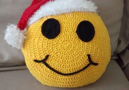 Almofada-de-Crochê-Emoji -Natal 2