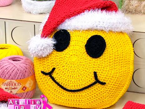 Almofada-de-Crochê-Emoji -Natal