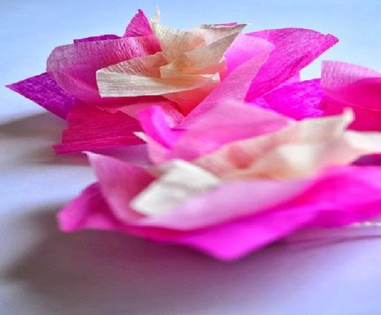 Colar Para Carnaval Feito de Flores muitas