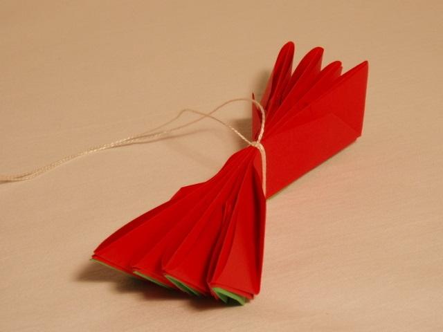 Flor de Lotus Feito de Origami  barbante