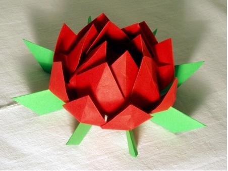 Flor de Lotus Feito de Origami  cola