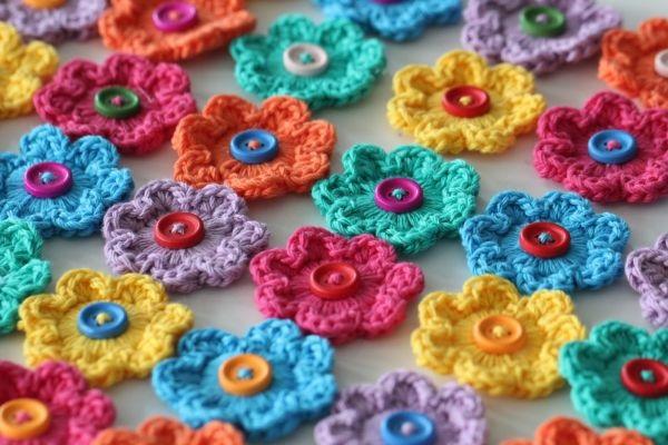 Mini Flores Feitas de Crochê botões