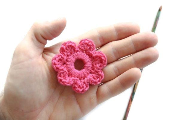 Mini Flores Feitas de Crochê  pronta