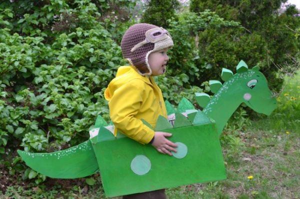 Dinossauro Feito de Papelão -pronto