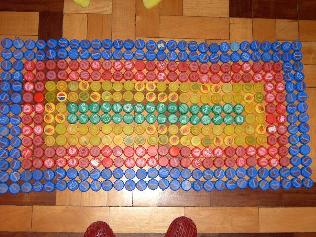 Tapete Mosaico de Tampas de Garrafa Pet