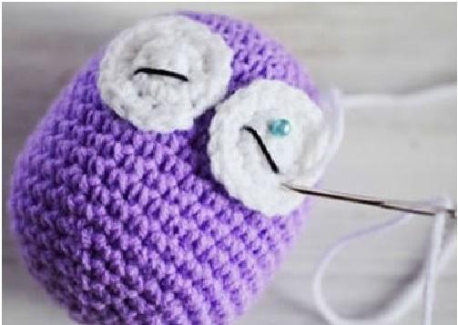 Mini Coruja em Crochê – Costura