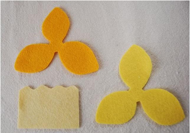 Bouquet Narcisos em feltro - Passo