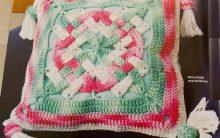 Almofada Maravilhosa Em Crochê – Material e Passo a Passo