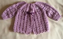 Casaquinho Bebê Crochê Rosé – Material e Como Fazer